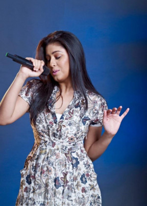 Sunidhi Chauhan (Leading Bollywood Versatile Singer)