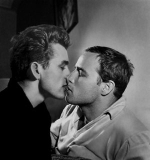 malesoulmakeup:James Dean kisses Marlon Brando