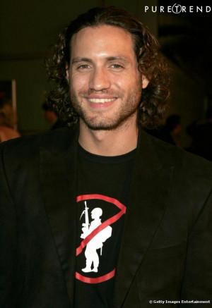 Edgar Ramirez à ses débuts... Depuis, il s'est trouvé un coiffeur.