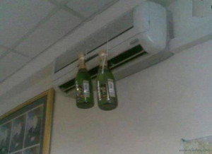 Funny Pictures-Brilliant Idea to chill Beer-Air Conditioner-Images