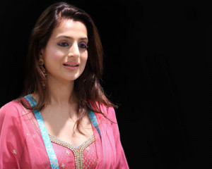 Amisha Patel-Amisha Patel Photos-Amisha Patel Wallpaper Gallery