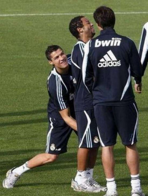 11 Funny Incriminating Photos of Footballers