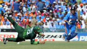 India vs Pakistan 2011 Cricket WC Semi Final Match Winning Moments ...