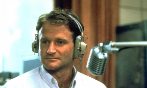 Robin Williams death: media has duty to report suicide responsibly ...