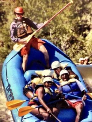 cool-air-guitar-white-water-rafting-boat-capsize-13626785365.jpg
