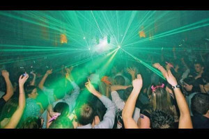 Clubbing Picture Slideshow