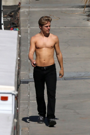 Derek Hough photos by way2enjoy.com Derek Hough Latest News, Photos ...