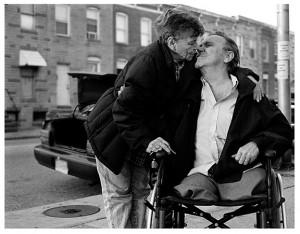 old-people-in-love-kissing12.jpg