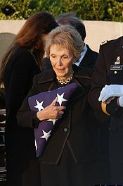 Mrs. Reagan walks away from President Reagan's grave site after ...