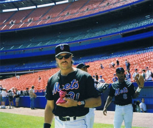 Mike Piazza on May 30, 1999
