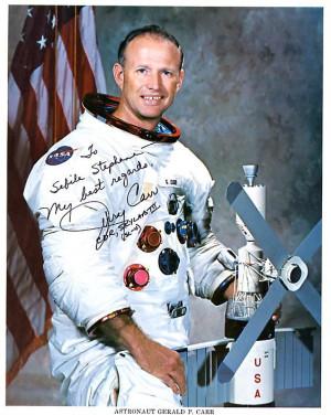 Jerry Carr est sélectionné comme astronaute par la NASA en 1966. Il ...