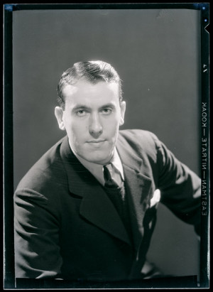 René Char, ca 1930 -by Man Ray [+]La lumière a un âge. La nuit n ...
