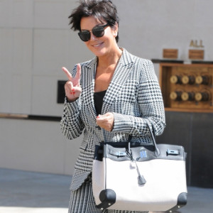 Kris Jenner Keeps With Kardashians Talk Show Viewers Twitter
