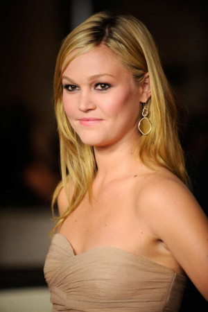 Julia Stiles Graduated From