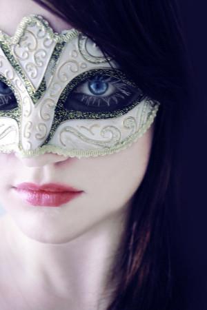 Kant's masked beauty
