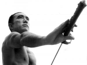 文豪・三島由紀夫の肉体を見たい―筋肉画像集
