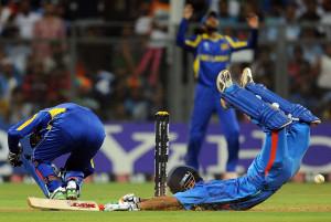 Gautam Gambhir dives to make his ground