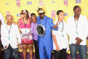 central roast of flavor flav arrivals in this photo flavor flav anna ...