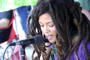 Inspirational locs > Valerie June > Valerie June's Full Roots