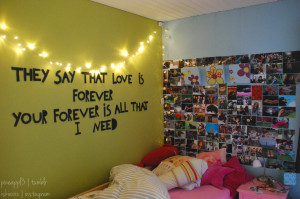 is what I want in my room mom like the lights and then above my bed ...