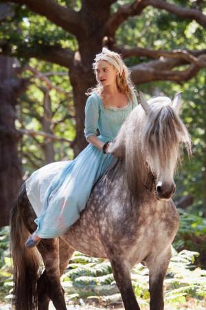 Cinderella (2015) New Stills!