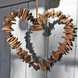 driftwood-heart-wreath-
