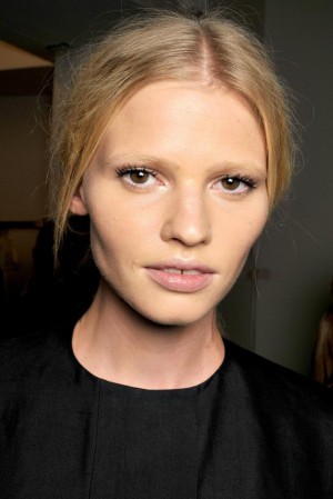 Lara stone without makeup