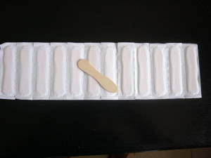 Ice cream spoons is made of white birch wood.