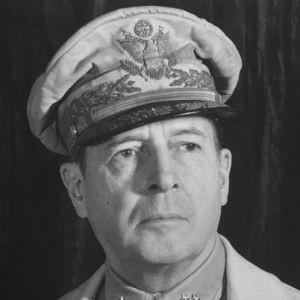 Douglas MacArthur Biography