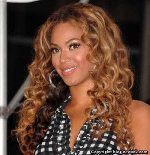 most popular pop singers hollywood famous singer