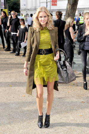 Donna Air Attends Burberry