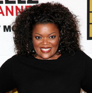 Yvette Nicole Brown Pictures