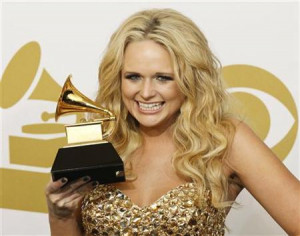 Country music singer Miranda Lambert poses with her Best Female ...