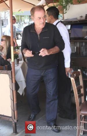 al michaels at a restaurant 4709898