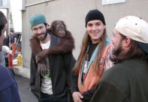 Jason Lee, Jason Mewes and director Kevin Smith on set of Jay and ...