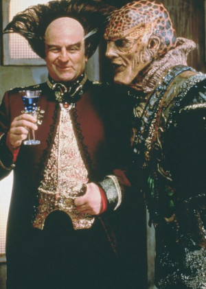 Still of Peter Jurasik and Andreas Katsulas in Babylon 5 (1994)