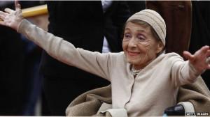 Luise Rainer, Hollywood golden era Oscar winner, dies aged 104