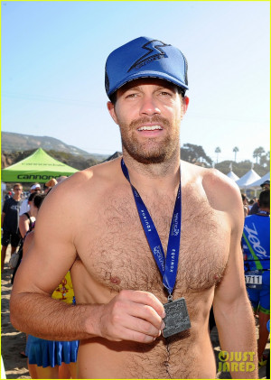 Geoff Stults amp Colin Egglesfield Go Shirtless at Nautica Triathlon