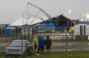 Photos with Stage Collapse