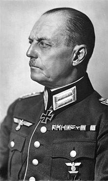 Generalfeldmarschall Gerd von Rundstedt bei der Begehung seines 50 ...