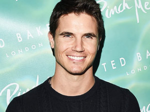 Things to Know About The DUFF's Robbie Amell (Spoiler Alert: He Was ...