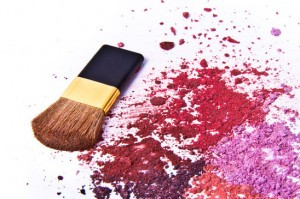 TIP OF THE DAY: HOW TO FIX BROKEN EYESHADOW?