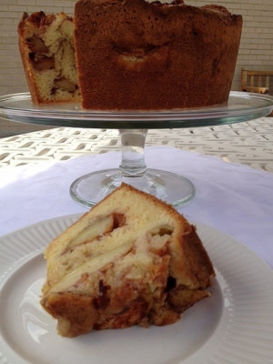 Apple cake that smells like 'my grandmother's kitchen'