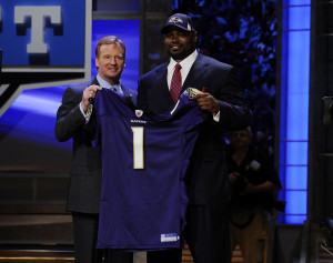 Michael Oher Married Tabitha Soren Roger-goodell-and-michael-oher ...