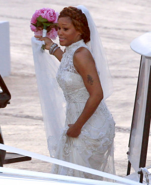 Eve wears Alice Temperley gown, marries Maxmillion Cooper in Ibiza ...