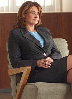 Lorraine Bracco...