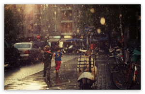 Children Running In The Rain HD wallpaper for Standard 5:4 Fullscreen ...