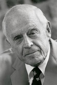 トーマス・J・ワトソン・ジュニア(1980年ごろ)