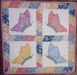 Quilt Patterns | Back to Doll Quilts | Comfort of Quilts | Doll Quilt ...