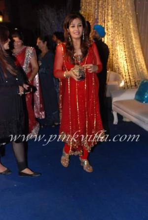 Thread: Amisha Patel and Raveena Tandon at Banpreet Singh son's ...